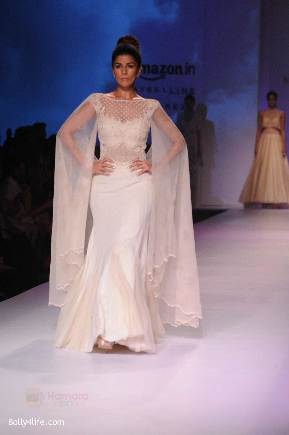 Nimrat-Kaur-walk-the-ramp-for-Mandira-Wrik_s-show-at-Amazon-India-Fashion-Week-on-15th-Oct-2016-43.jpg