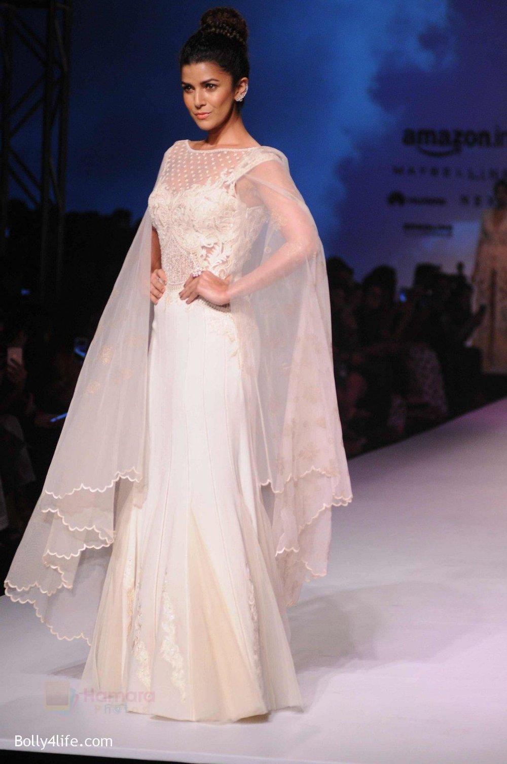 Nimrat-Kaur-walk-the-ramp-for-Mandira-Wrik_s-show-at-Amazon-India-Fashion-Week-on-15th-Oct-2016-46.jpg