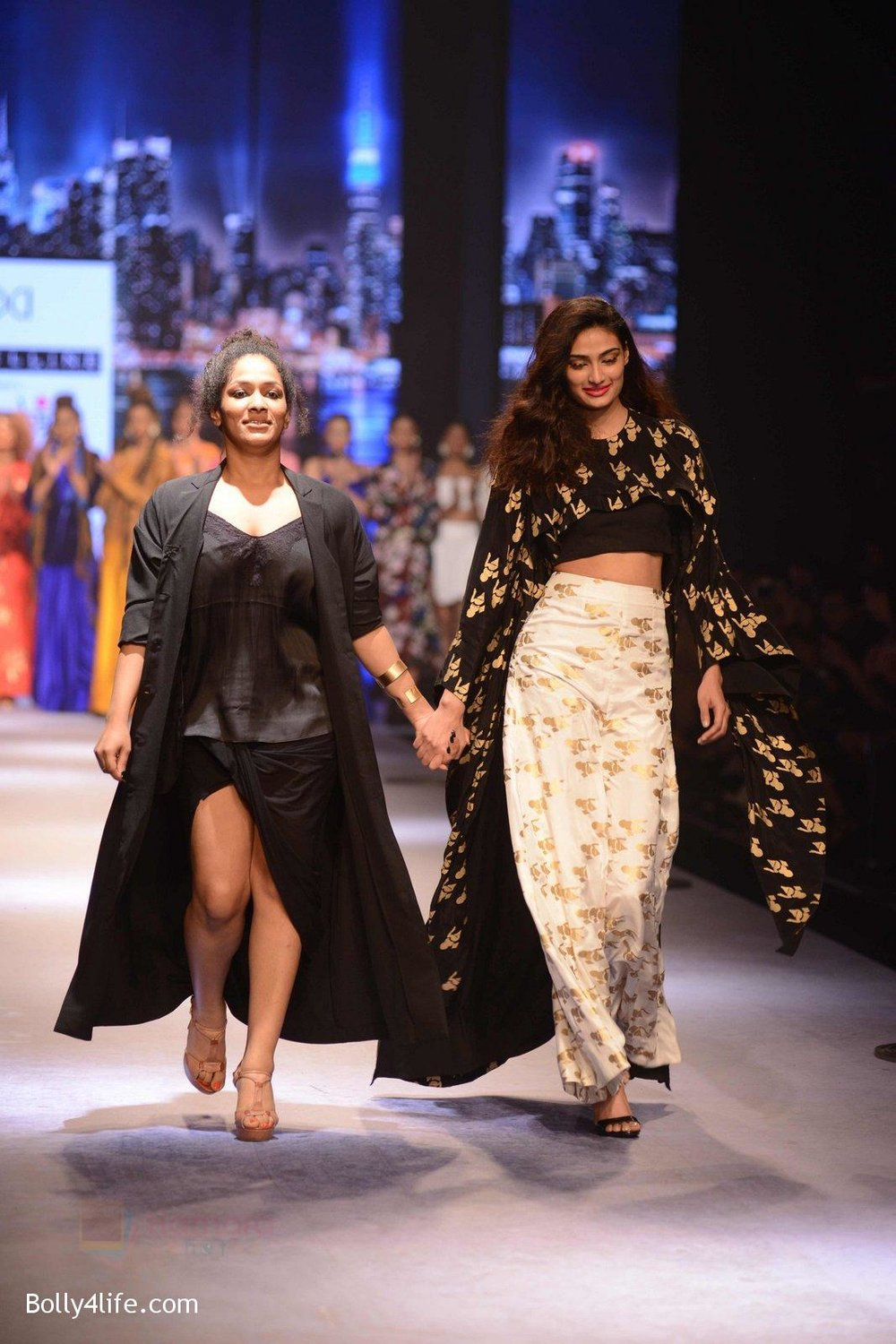 Athiya-Shetty-walks-for-Masaba-at-Amazon-India-Fashion-Week-on-15th-Oct-2016-44.jpg