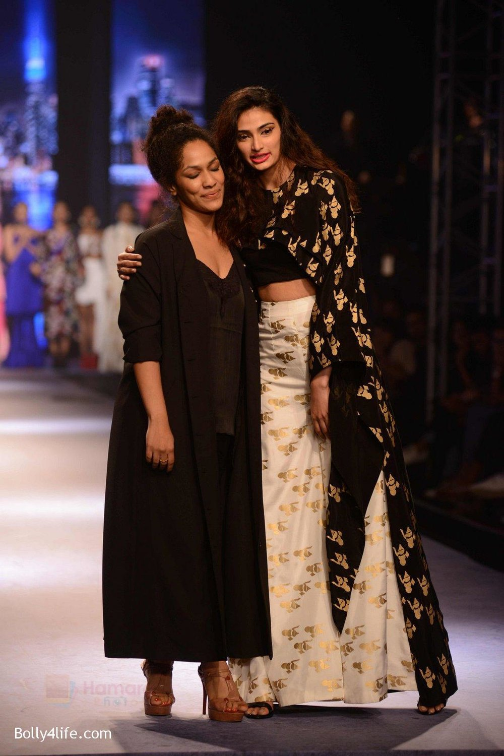 Athiya-Shetty-walks-for-Masaba-at-Amazon-India-Fashion-Week-on-15th-Oct-2016-46.jpg