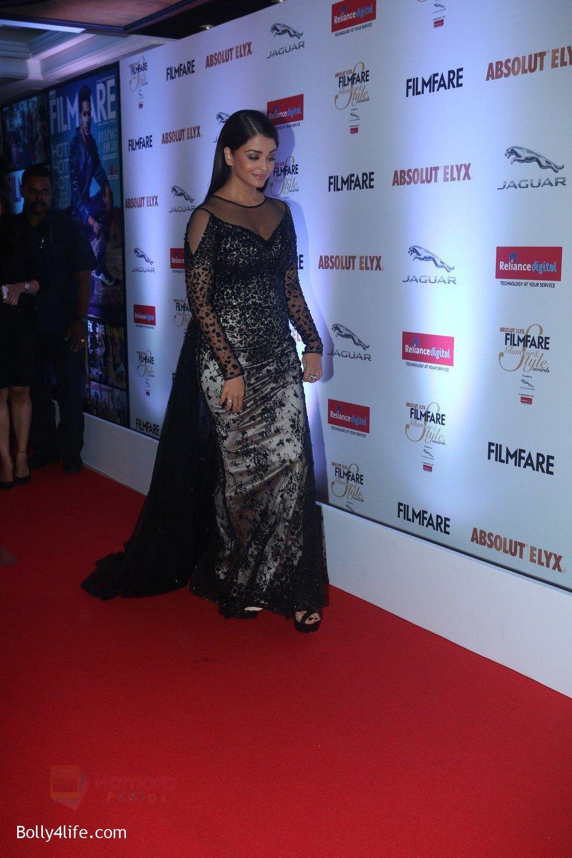 Aishwarya-Rai-Bachchan-at-Filmfare-Glamour-Style-Awards-2016-in-Mumbai-on-15th-Oct-2016-2184.jpg