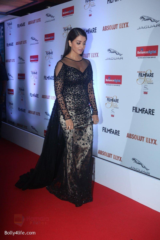 Aishwarya-Rai-Bachchan-at-Filmfare-Glamour-Style-Awards-2016-in-Mumbai-on-15th-Oct-2016-2185.jpg
