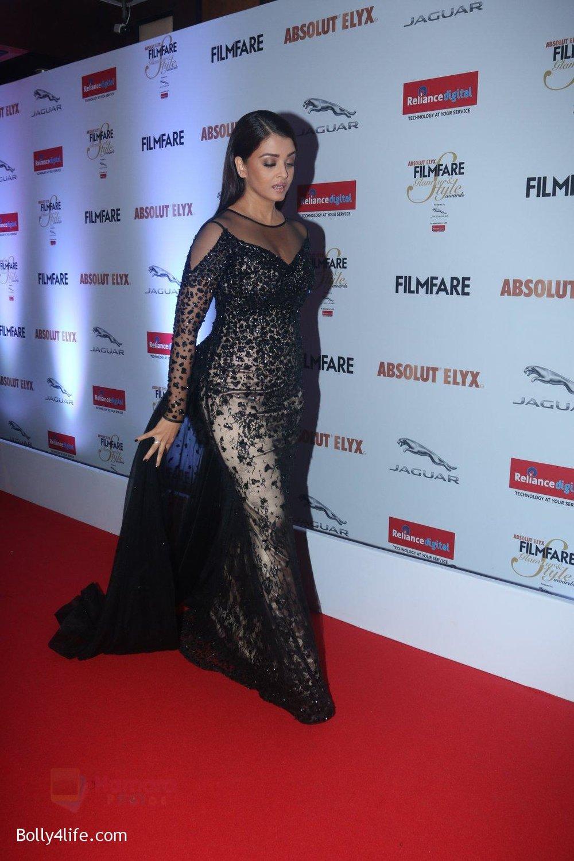 Aishwarya-Rai-Bachchan-at-Filmfare-Glamour-Style-Awards-2016-in-Mumbai-on-15th-Oct-2016-2186.jpg