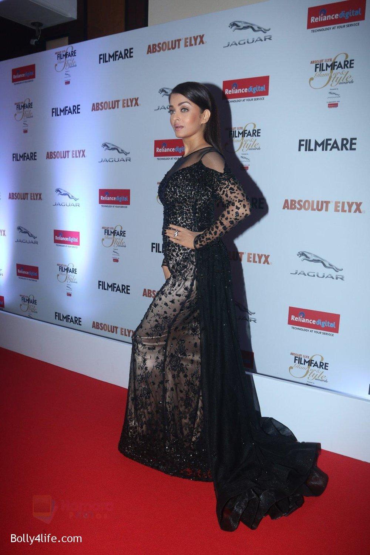 Aishwarya-Rai-Bachchan-at-Filmfare-Glamour-Style-Awards-2016-in-Mumbai-on-15th-Oct-2016-2187.jpg