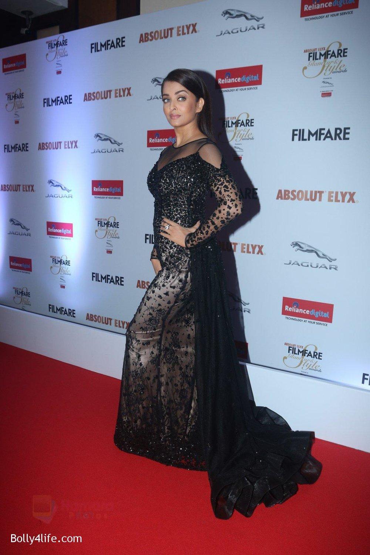 Aishwarya-Rai-Bachchan-at-Filmfare-Glamour-Style-Awards-2016-in-Mumbai-on-15th-Oct-2016-2189.jpg
