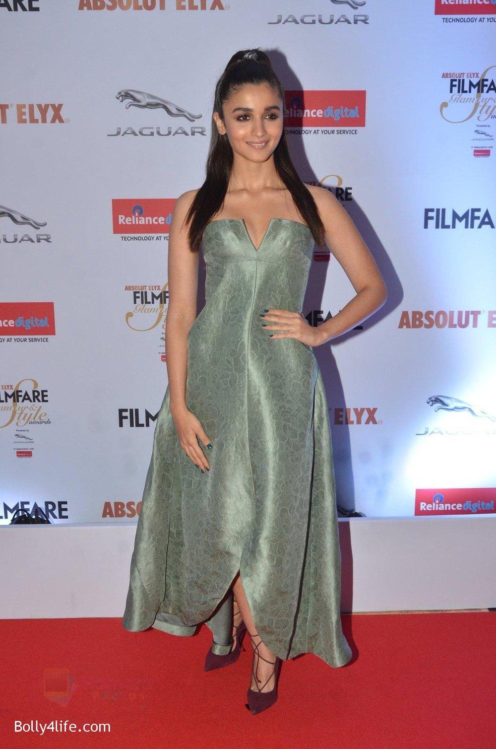 Alia-Bhatt-at-Filmfare-Glamour-Style-Awards-2016-in-Mumbai-on-15th-Oct-2016-1765.jpg