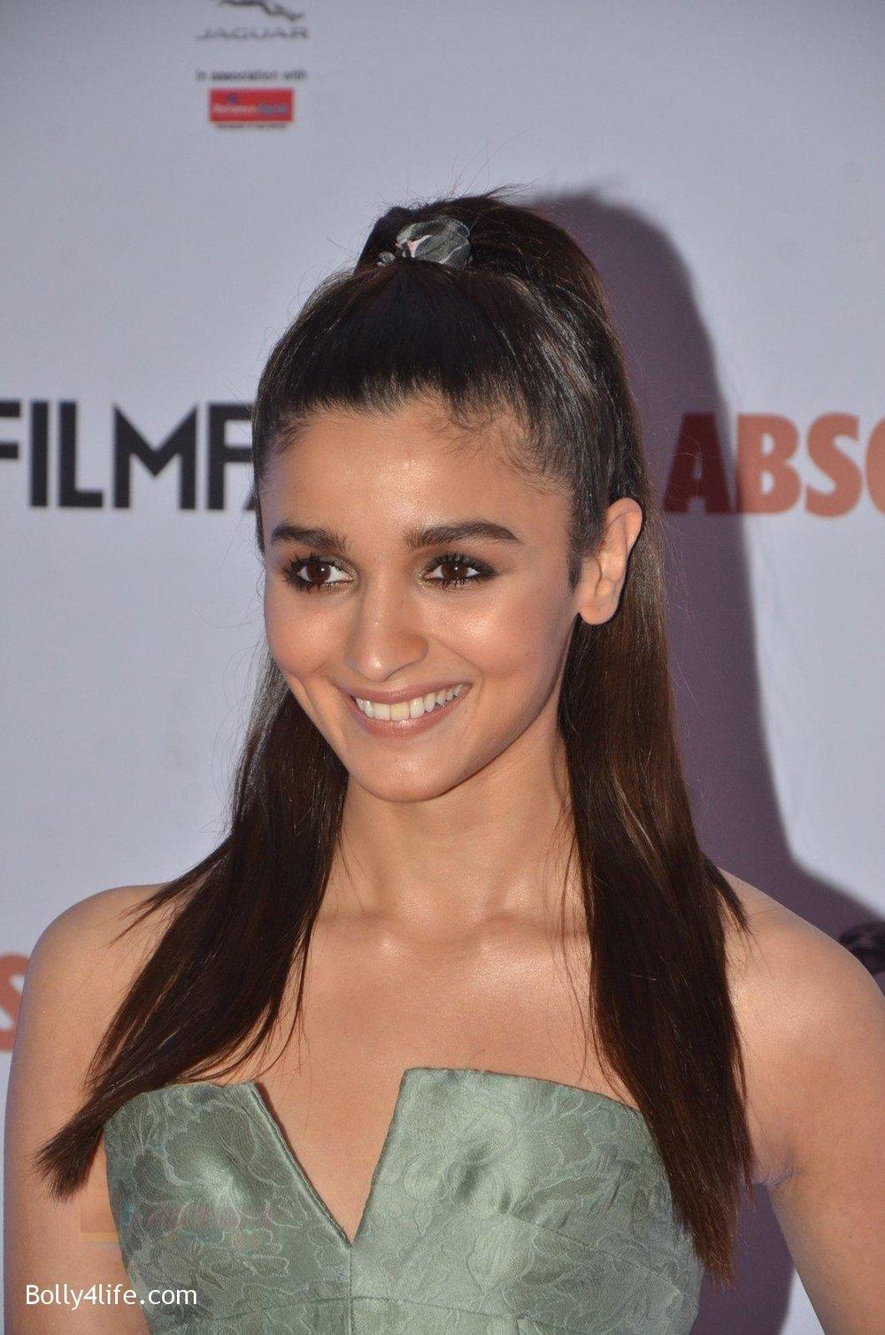 Alia-Bhatt-at-Filmfare-Glamour-Style-Awards-2016-in-Mumbai-on-15th-Oct-2016-1784.jpg