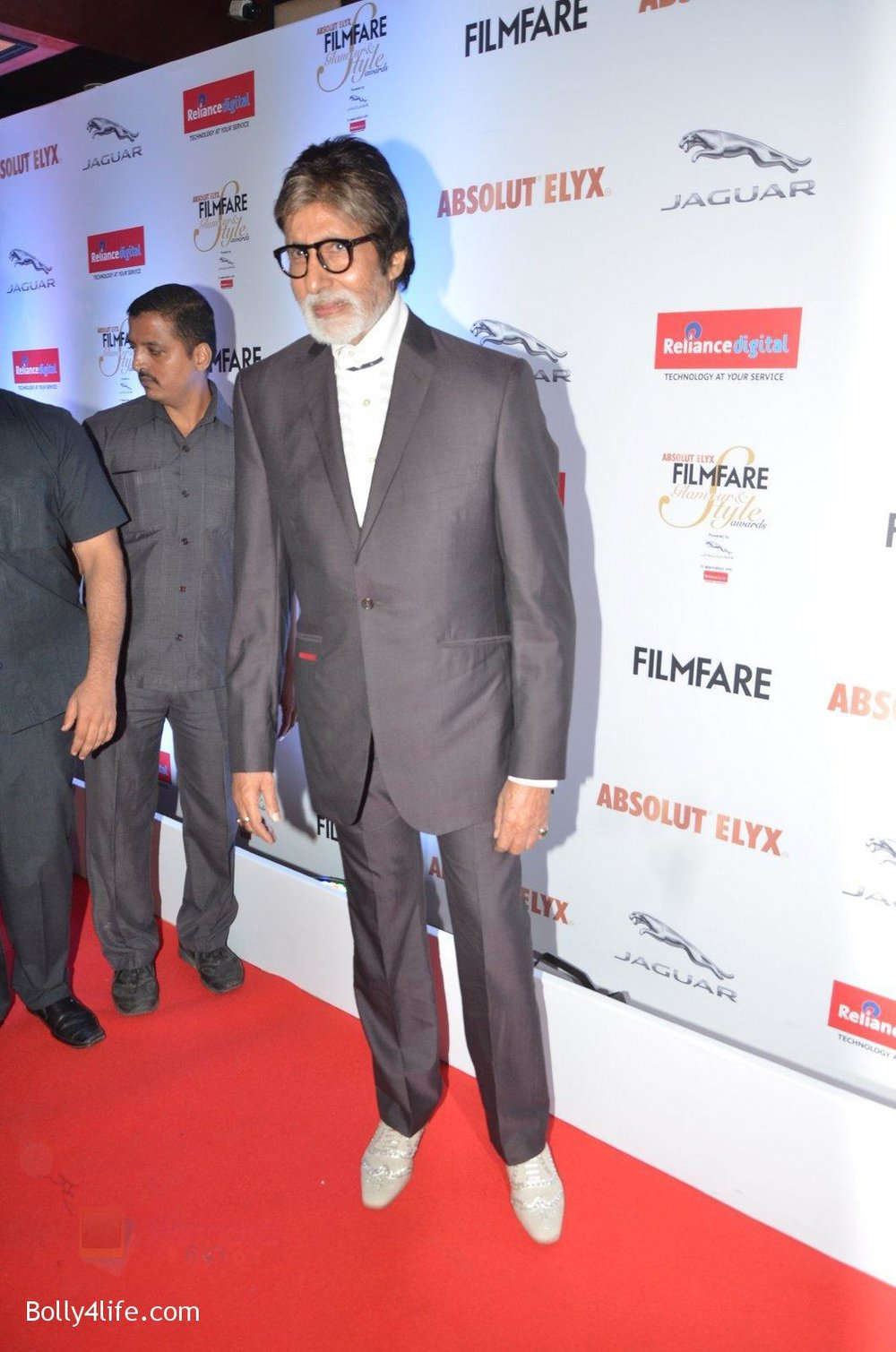 Amitabh-Bachchan-at-Filmfare-Glamour-Style-Awards-2016-in-Mumbai-on-15th-Oct-2016-2182.jpg