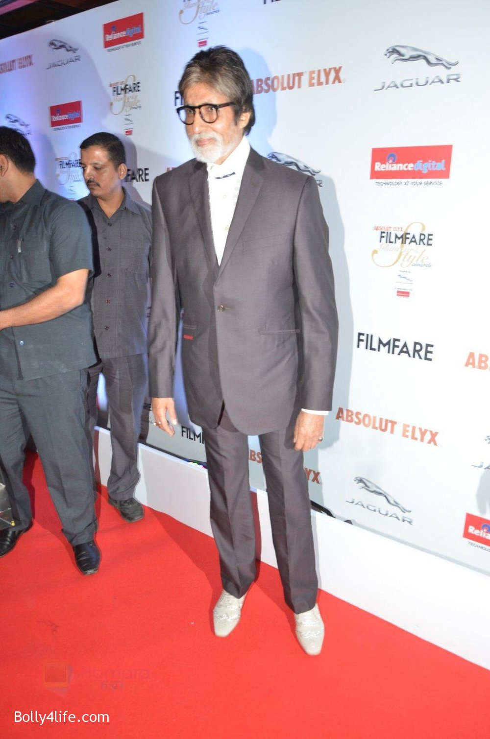 Amitabh-Bachchan-at-Filmfare-Glamour-Style-Awards-2016-in-Mumbai-on-15th-Oct-2016-2185.jpg
