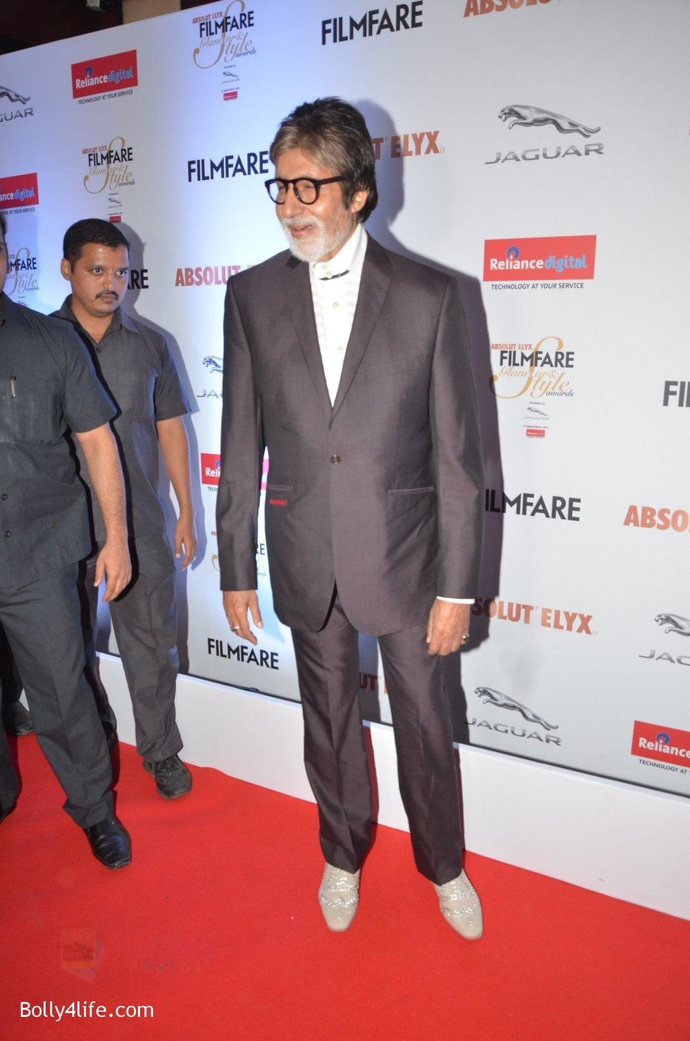 Amitabh-Bachchan-at-Filmfare-Glamour-Style-Awards-2016-in-Mumbai-on-15th-Oct-2016-2190.jpg