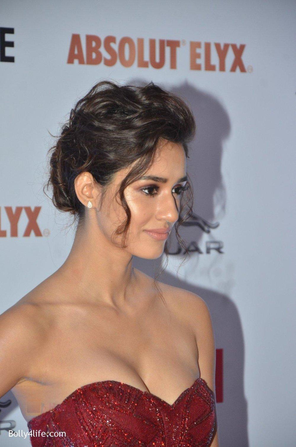 Disha-Patani-at-Filmfare-Glamour-Style-Awards-2016-in-Mumbai-on-15th-Oct-2016-1572.jpg