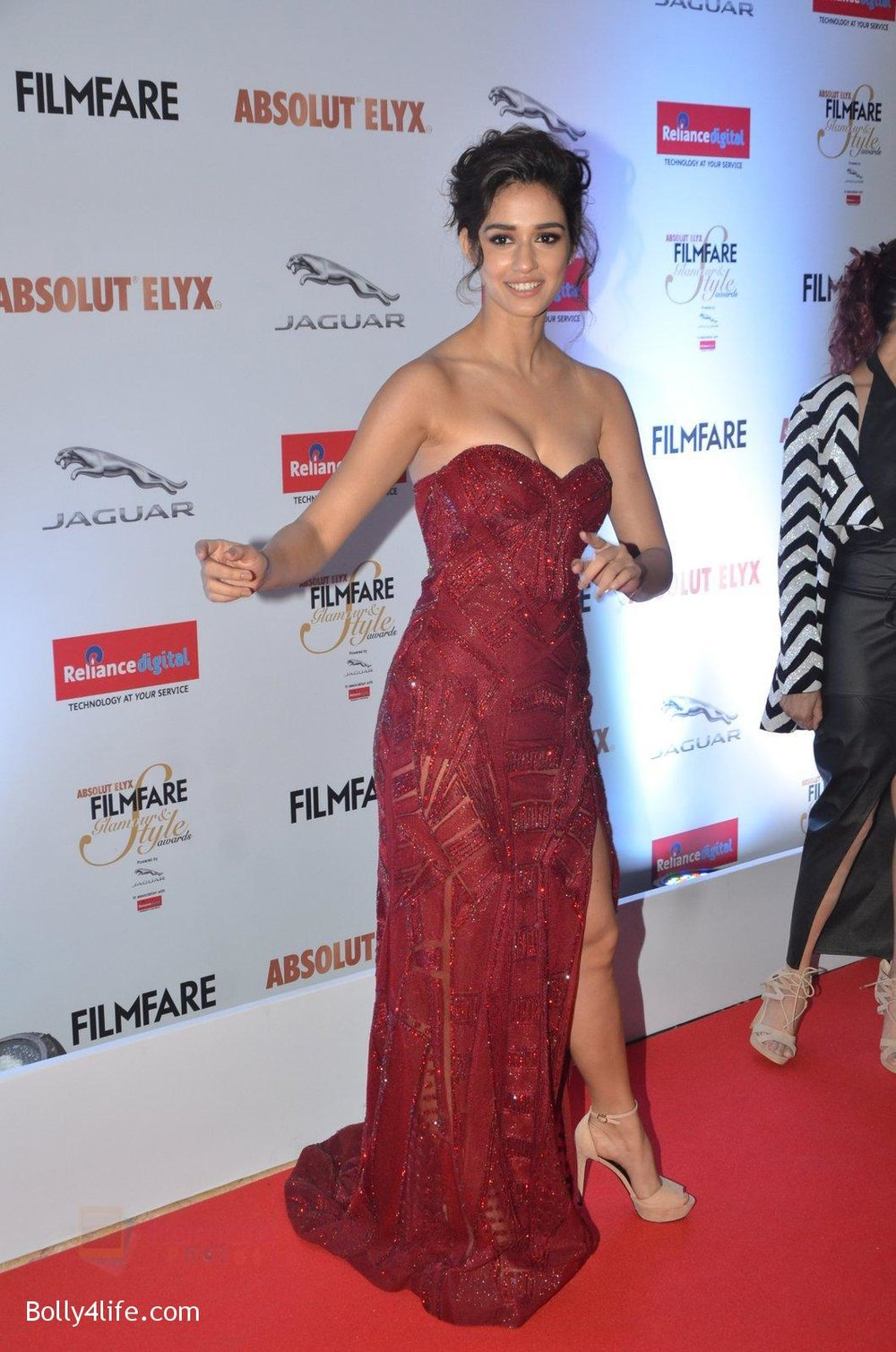Disha-Patani-at-Filmfare-Glamour-Style-Awards-2016-in-Mumbai-on-15th-Oct-2016-1580.jpg