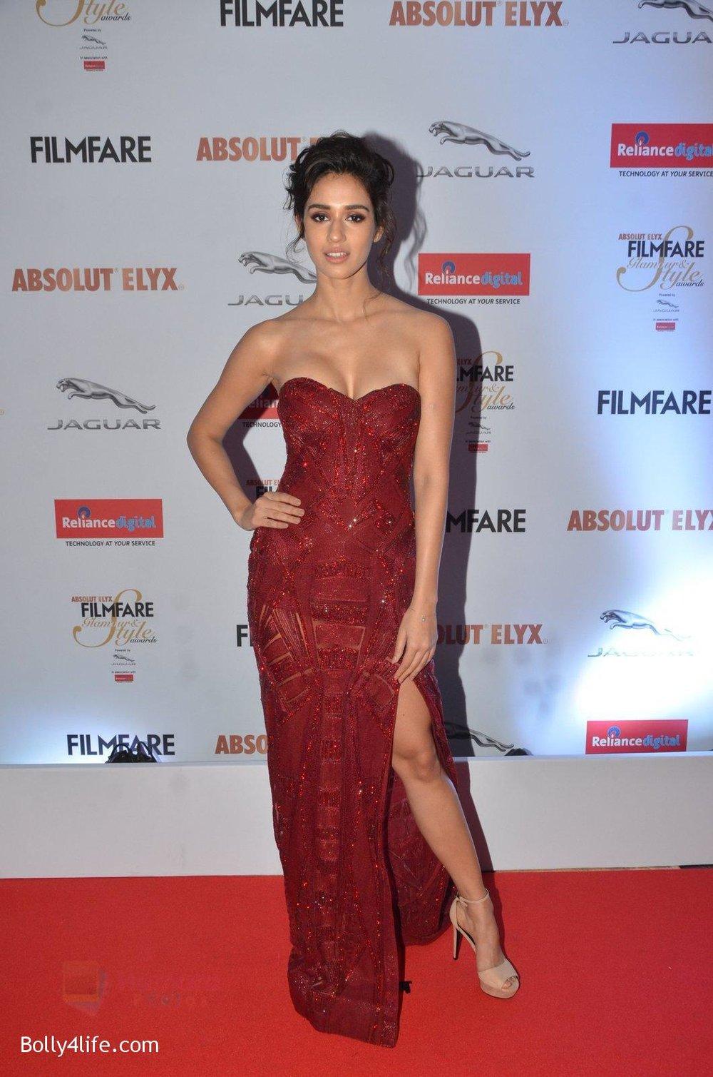 Disha-Patani-at-Filmfare-Glamour-Style-Awards-2016-in-Mumbai-on-15th-Oct-2016-1584.jpg