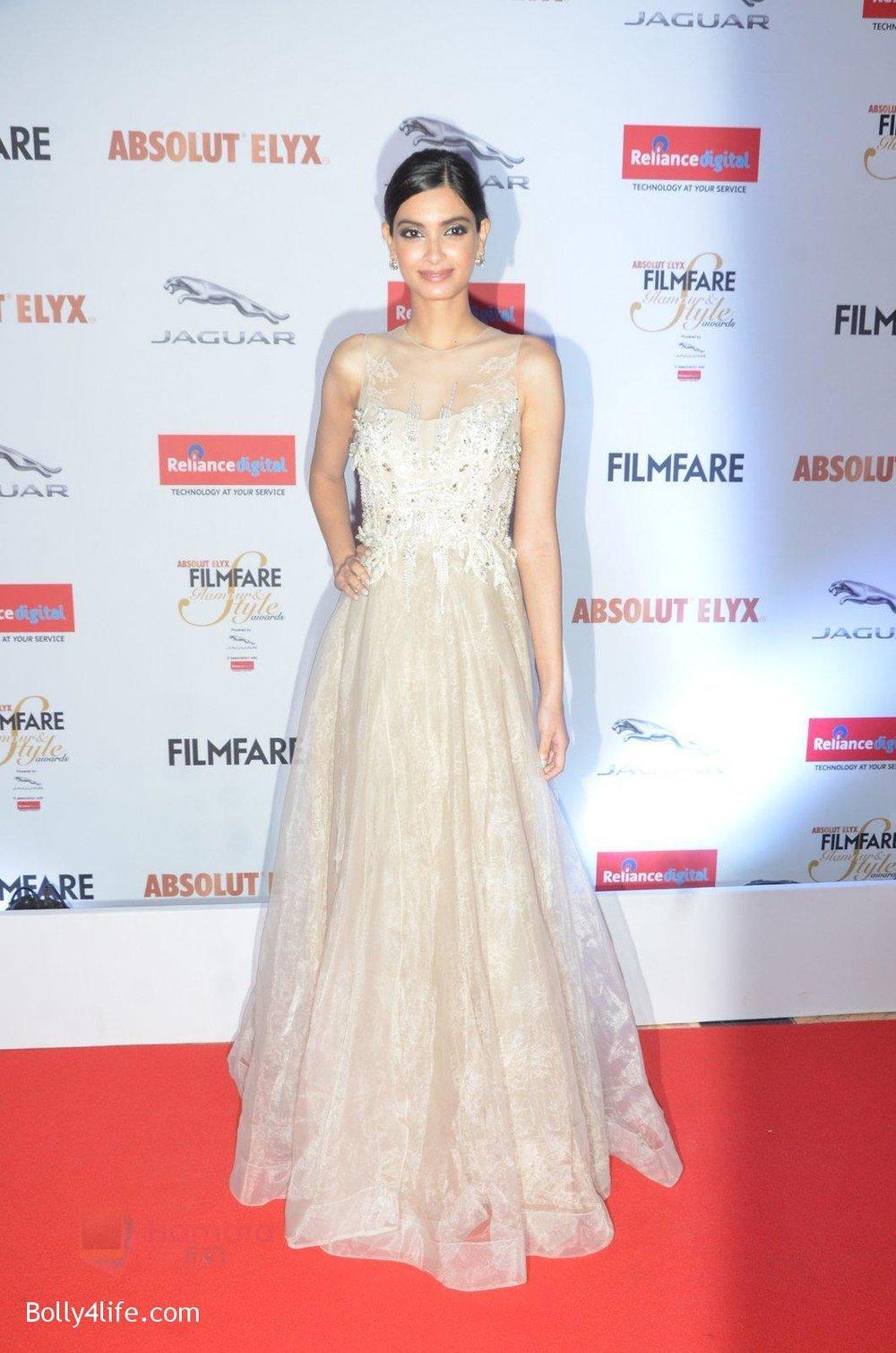 Diana-Penty-at-Filmfare-Glamour-Style-Awards-2016-in-Mumbai-on-15th-Oct-2016-1799.jpg