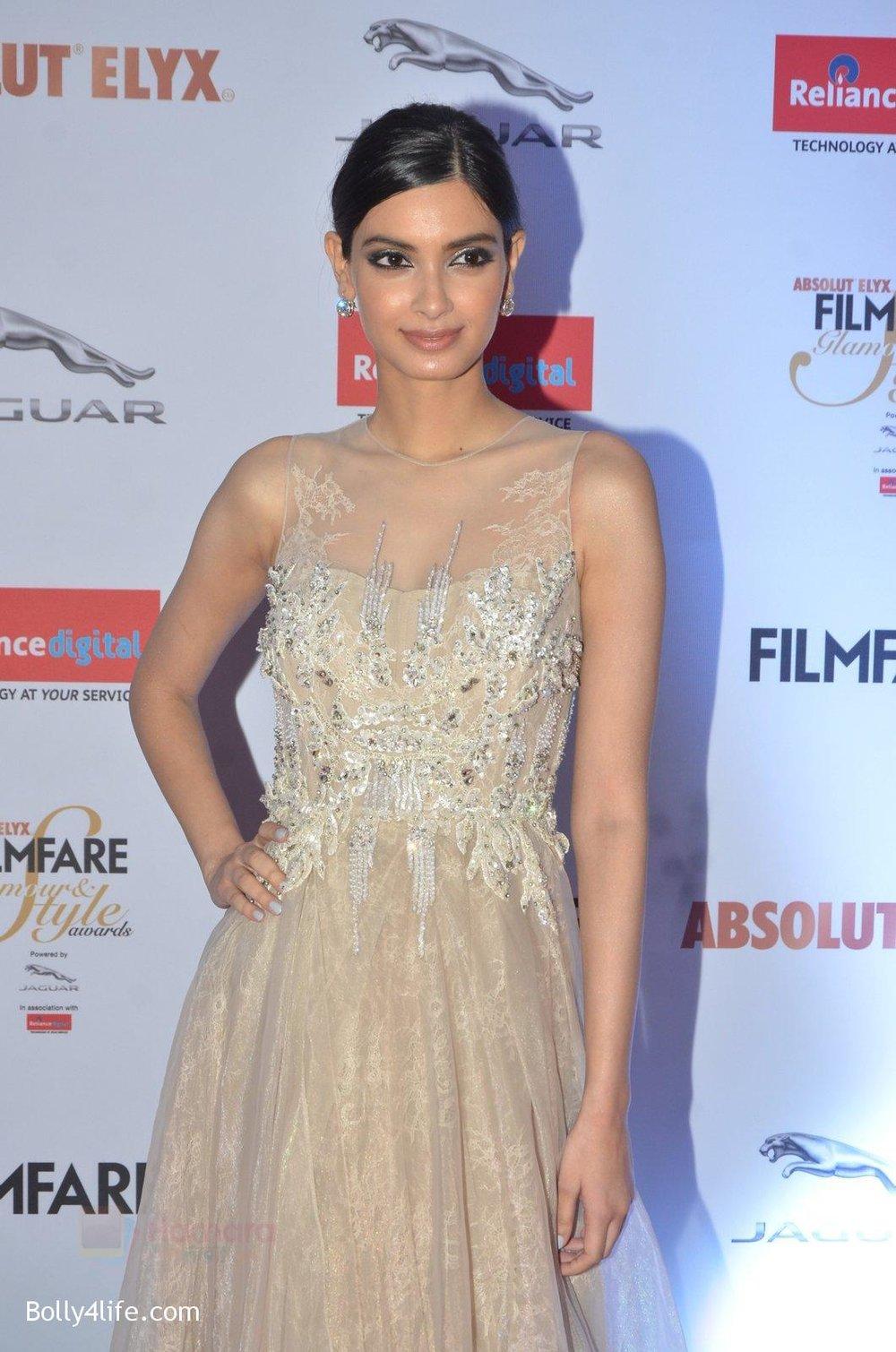 Diana-Penty-at-Filmfare-Glamour-Style-Awards-2016-in-Mumbai-on-15th-Oct-2016-1806.jpg