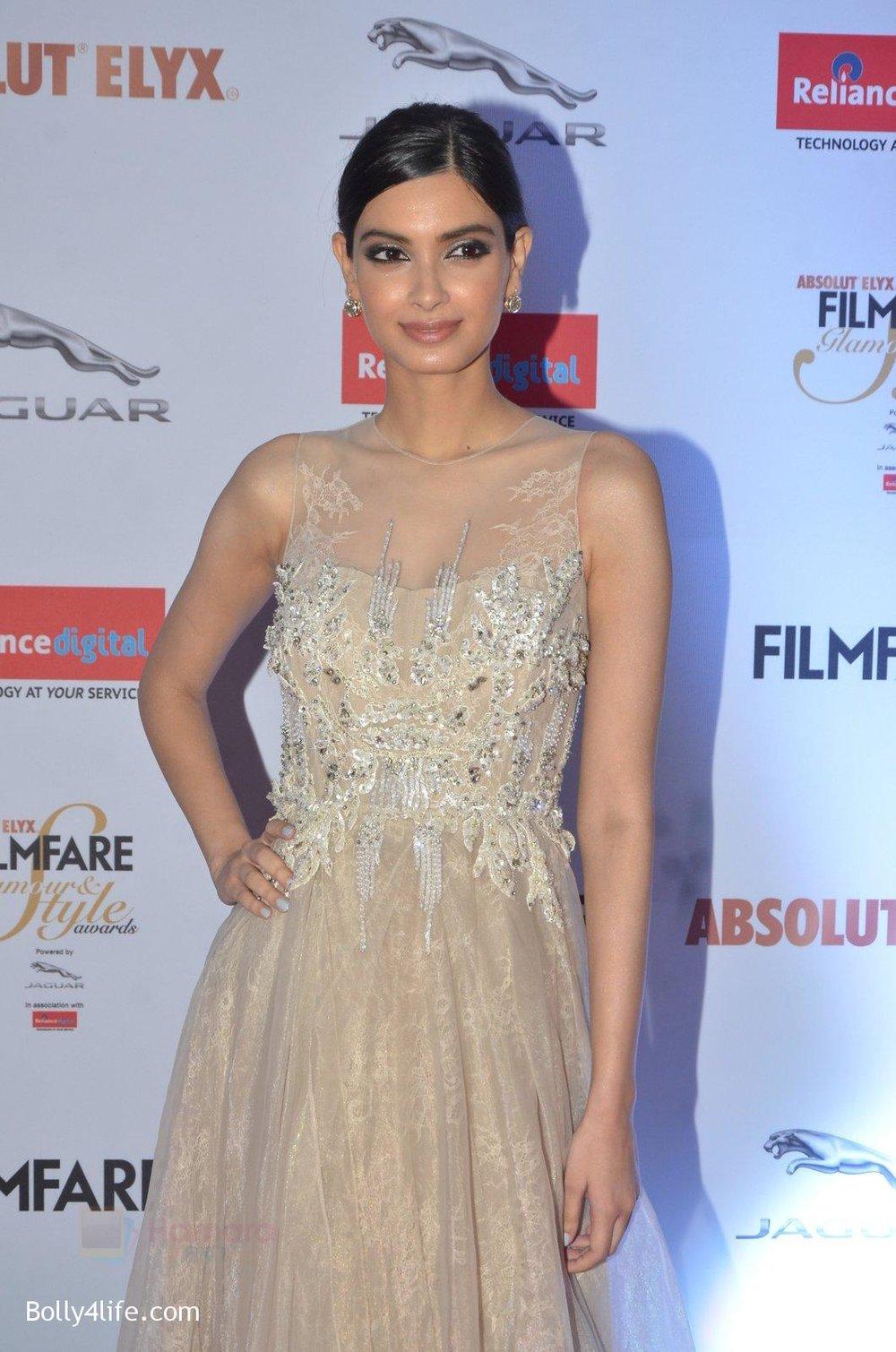 Diana-Penty-at-Filmfare-Glamour-Style-Awards-2016-in-Mumbai-on-15th-Oct-2016-1807.jpg