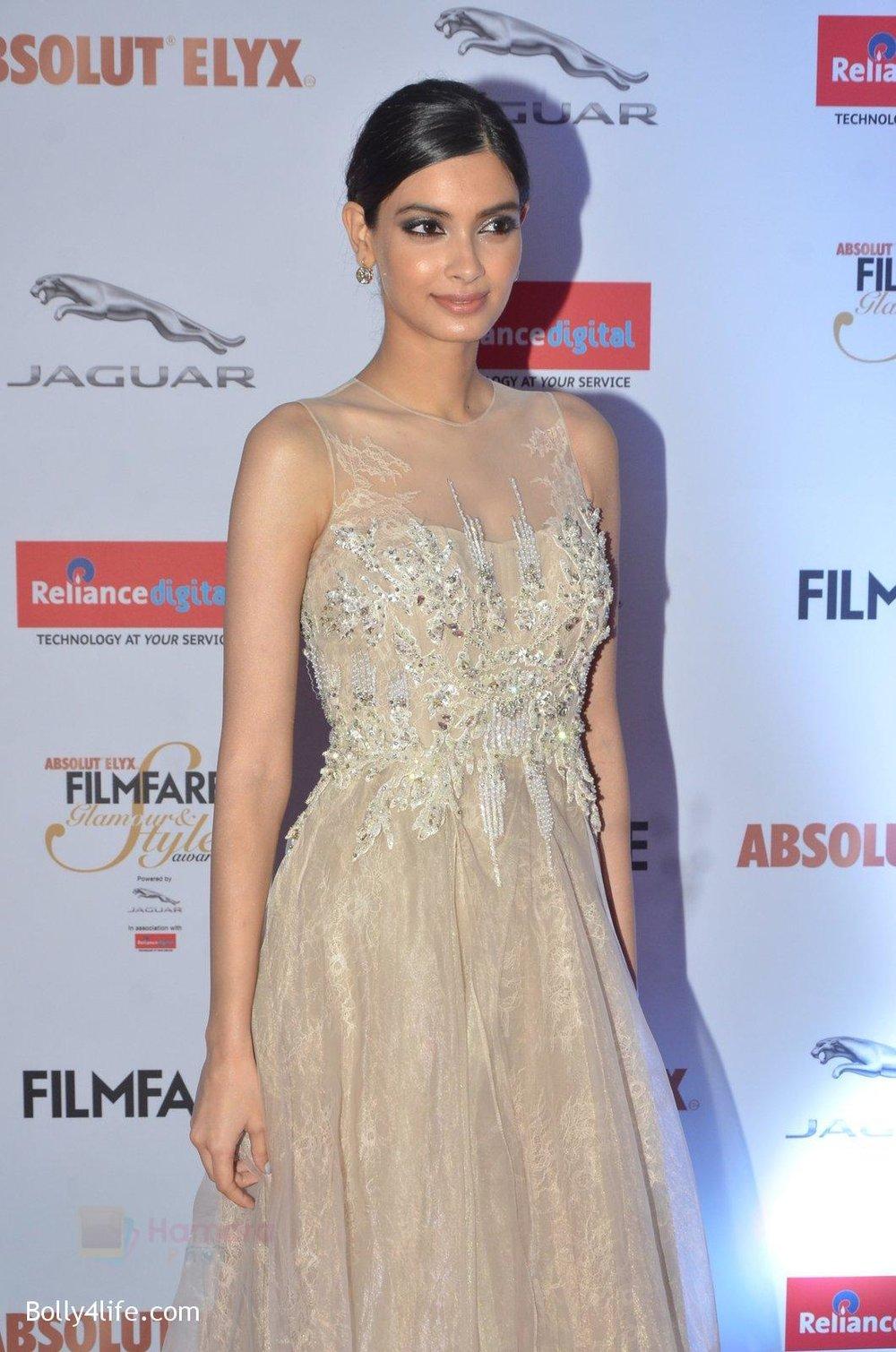 Diana-Penty-at-Filmfare-Glamour-Style-Awards-2016-in-Mumbai-on-15th-Oct-2016-1809.jpg