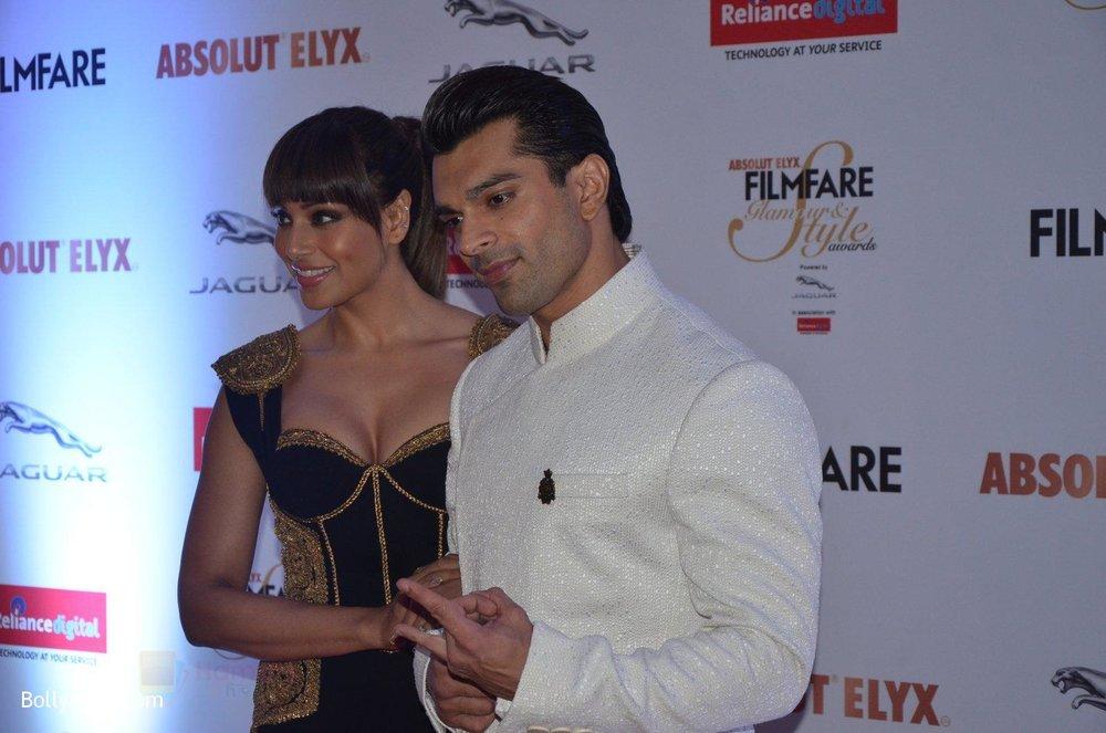 Bipasha-Basu-Karan-Singh-Grover-at-Filmfare-Glamour-Style-Awards-2016-in-Mumbai-on-15th-Oct-2016-1930.jpg