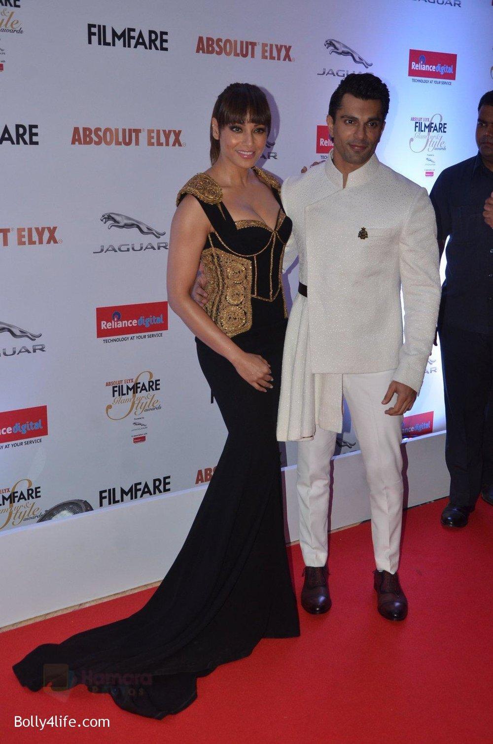 Bipasha-Basu-Karan-Singh-Grover-at-Filmfare-Glamour-Style-Awards-2016-in-Mumbai-on-15th-Oct-2016-1932.jpg