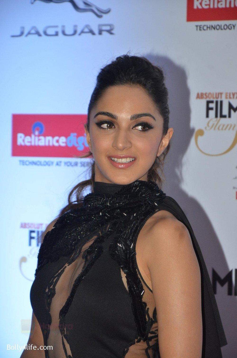 Kiara-Advani-at-Filmfare-Glamour-Style-Awards-2016-in-Mumbai-on-15th-Oct-2016-1506.jpg
