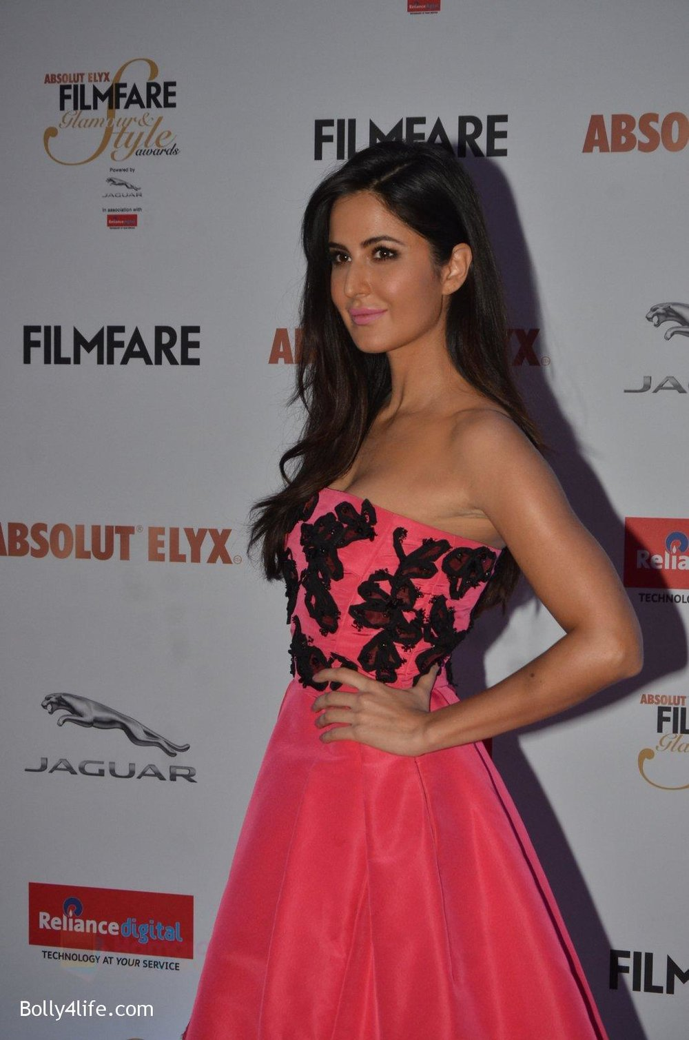 Katrina-Kaif-at-Filmfare-Glamour-Style-Awards-2016-in-Mumbai-on-15th-Oct-2016-1946.jpg