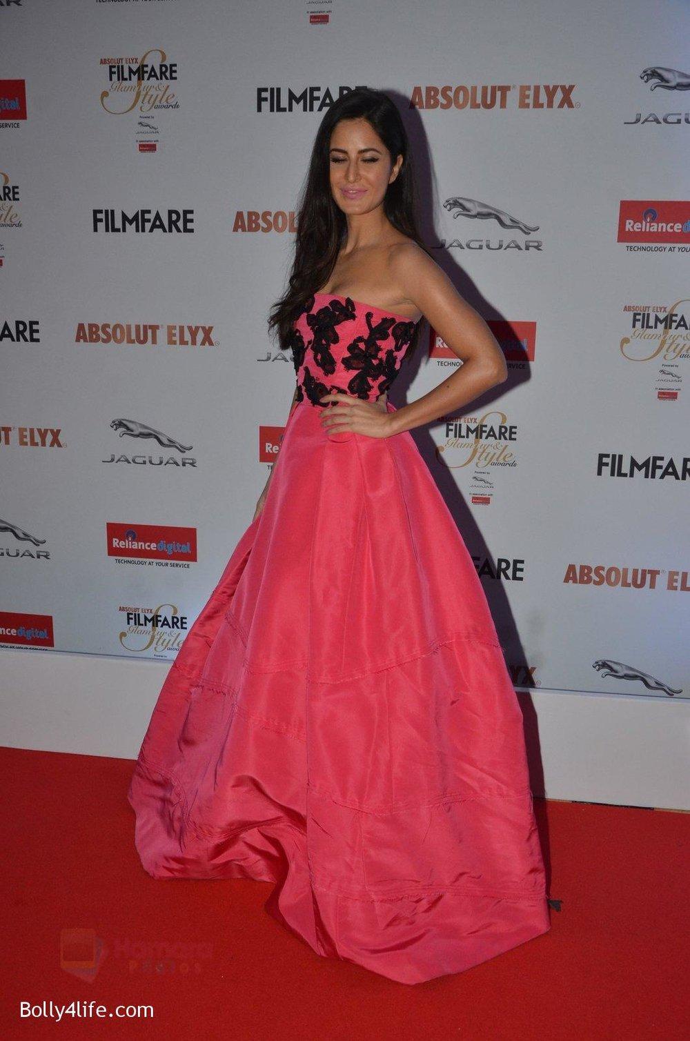 Katrina-Kaif-at-Filmfare-Glamour-Style-Awards-2016-in-Mumbai-on-15th-Oct-2016-1949.jpg