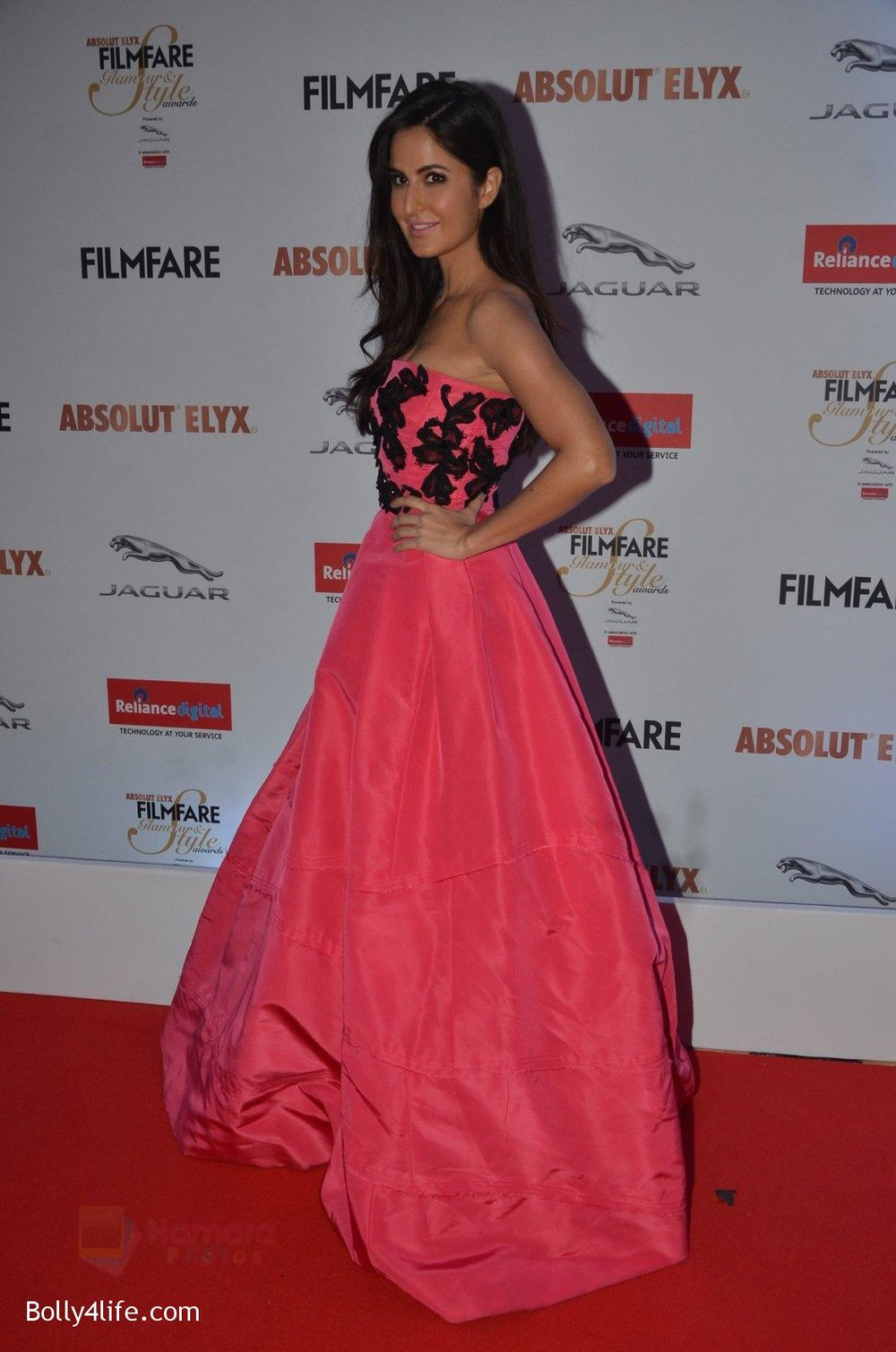 Katrina-Kaif-at-Filmfare-Glamour-Style-Awards-2016-in-Mumbai-on-15th-Oct-2016-1954.jpg