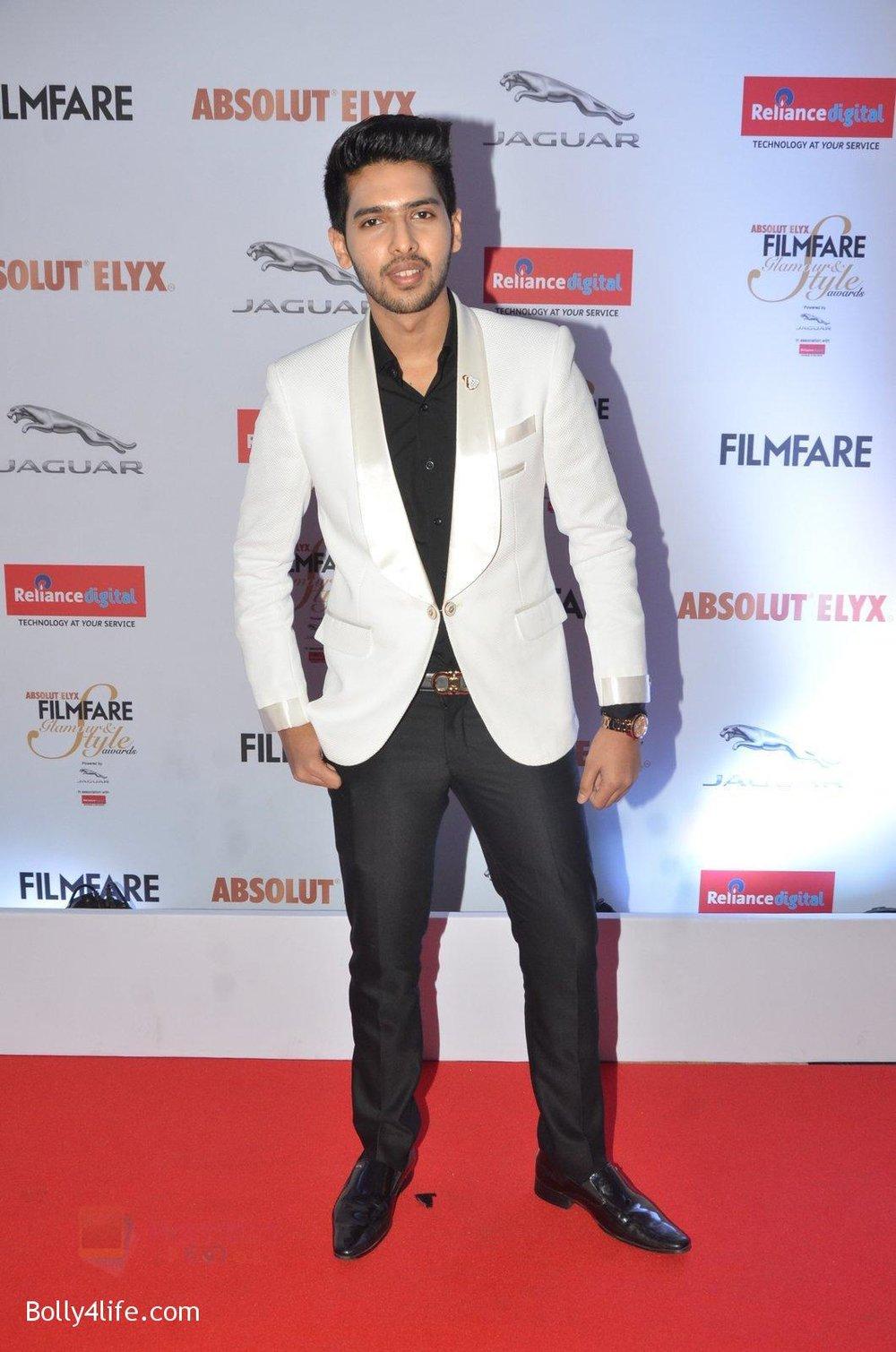 Armaan-Malik-at-Filmfare-Glamour-Style-Awards-2016-in-Mumbai-on-15th-Oct-2016-1409.jpg