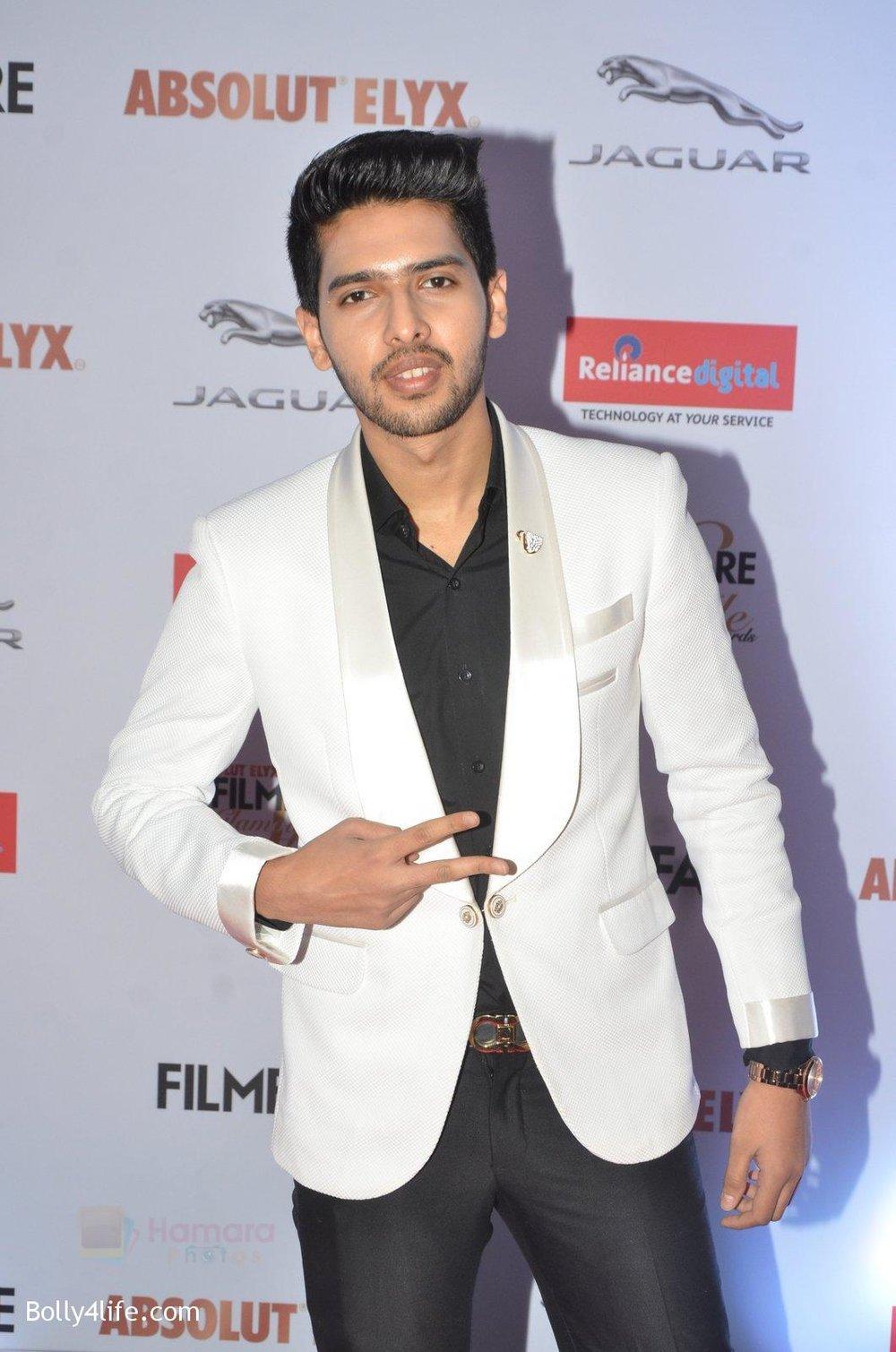 Armaan-Malik-at-Filmfare-Glamour-Style-Awards-2016-in-Mumbai-on-15th-Oct-2016-1412.jpg