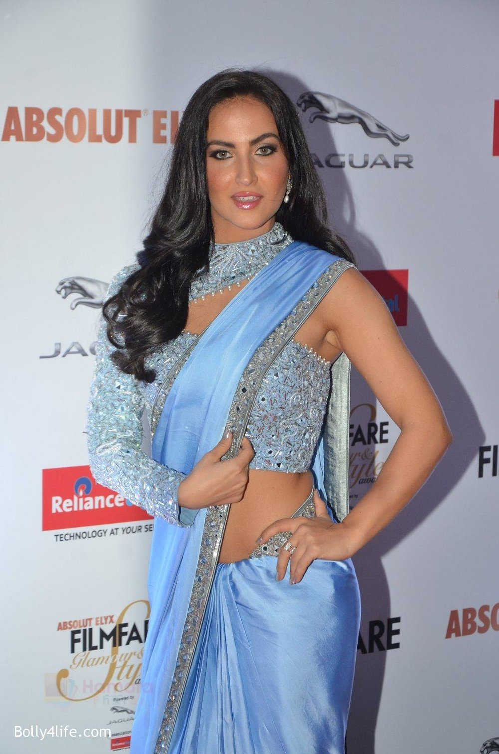 Elli-Avram-at-Filmfare-Glamour-Style-Awards-2016-in-Mumbai-on-15th-Oct-2016-1629.jpg