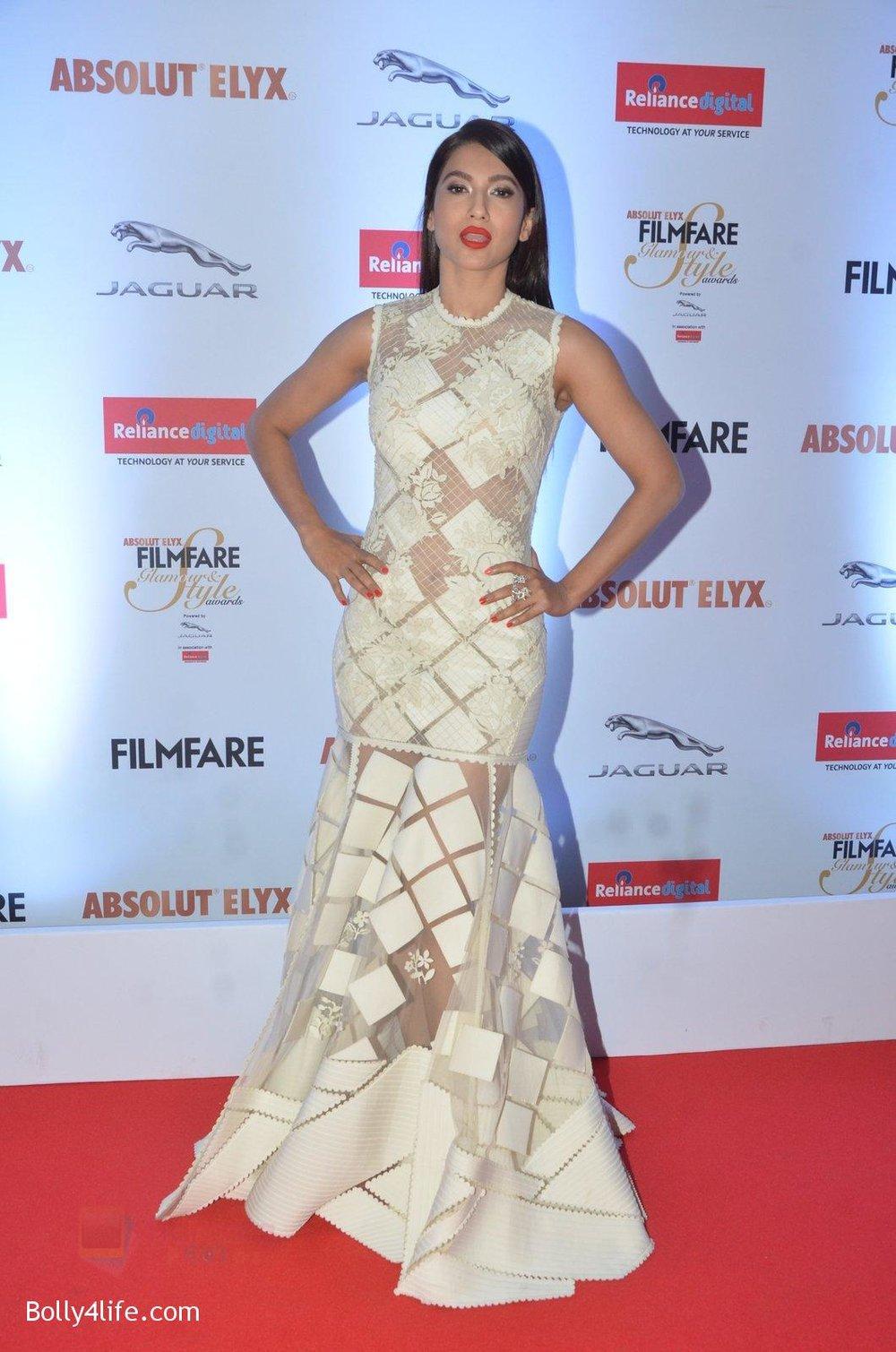 Gauhar-Khan-at-Filmfare-Glamour-Style-Awards-2016-in-Mumbai-on-15th-Oct-2016-1133.jpg