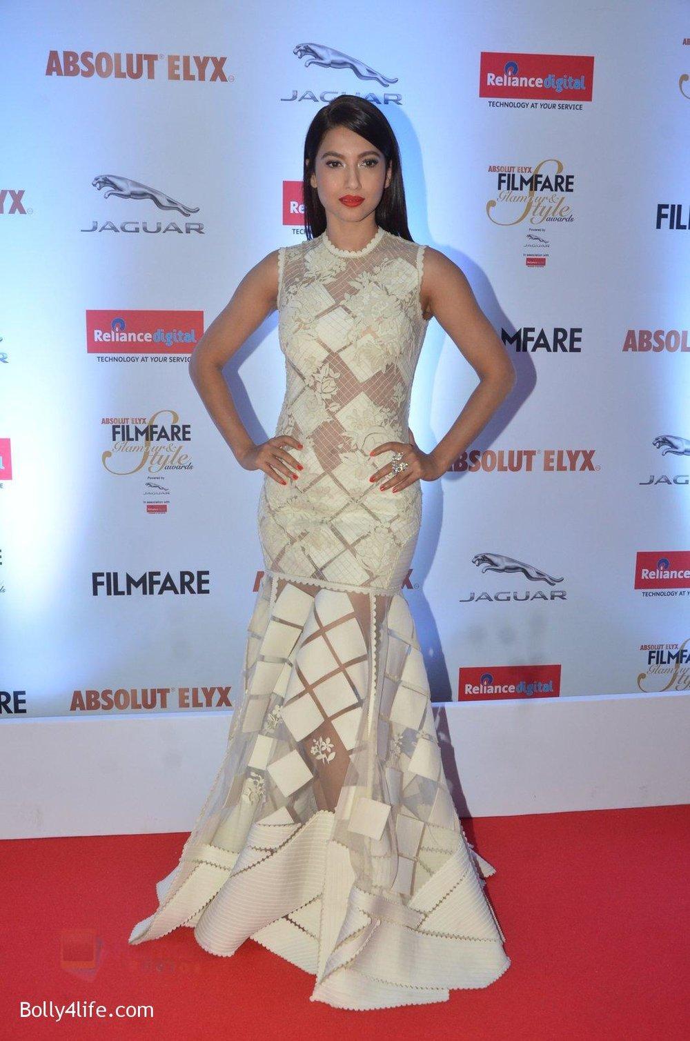Gauhar-Khan-at-Filmfare-Glamour-Style-Awards-2016-in-Mumbai-on-15th-Oct-2016-1137.jpg