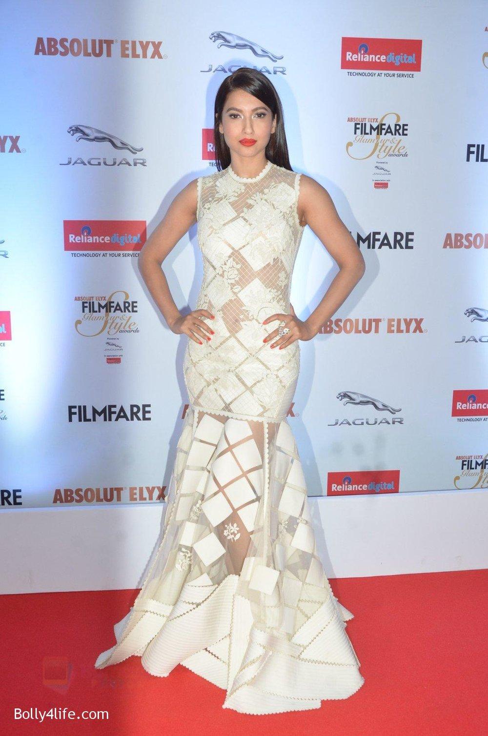 Gauhar-Khan-at-Filmfare-Glamour-Style-Awards-2016-in-Mumbai-on-15th-Oct-2016-1138.jpg