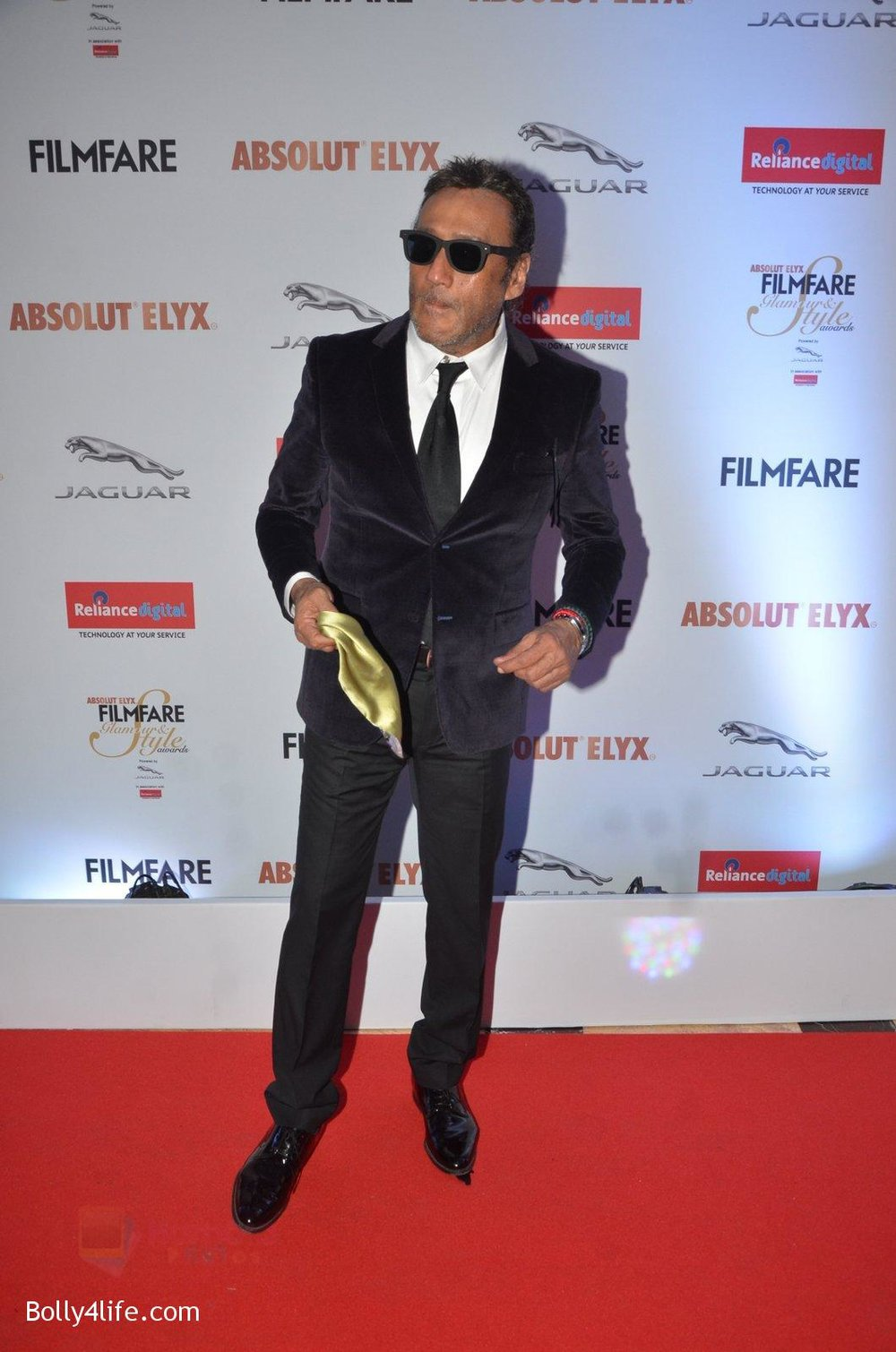 Jackie-Shroff-at-Filmfare-Glamour-Style-Awards-2016-in-Mumbai-on-15th-Oct-2016-2115.jpg