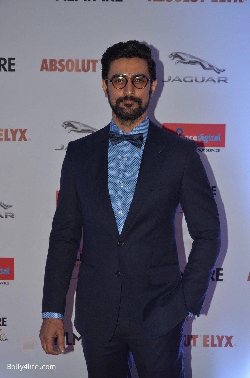 Kunal-Kapoor-at-Filmfare-Glamour-Style-Awards-2016-in-Mumbai-on-15th-Oct-2016-1810.jpg