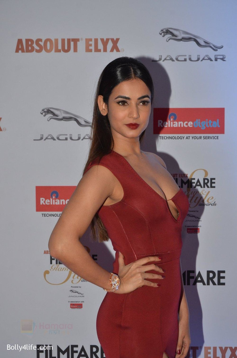 Sonal-Chauhan-at-Filmfare-Glamour-Style-Awards-2016-in-Mumbai-on-15th-Oct-2016-1886.jpg