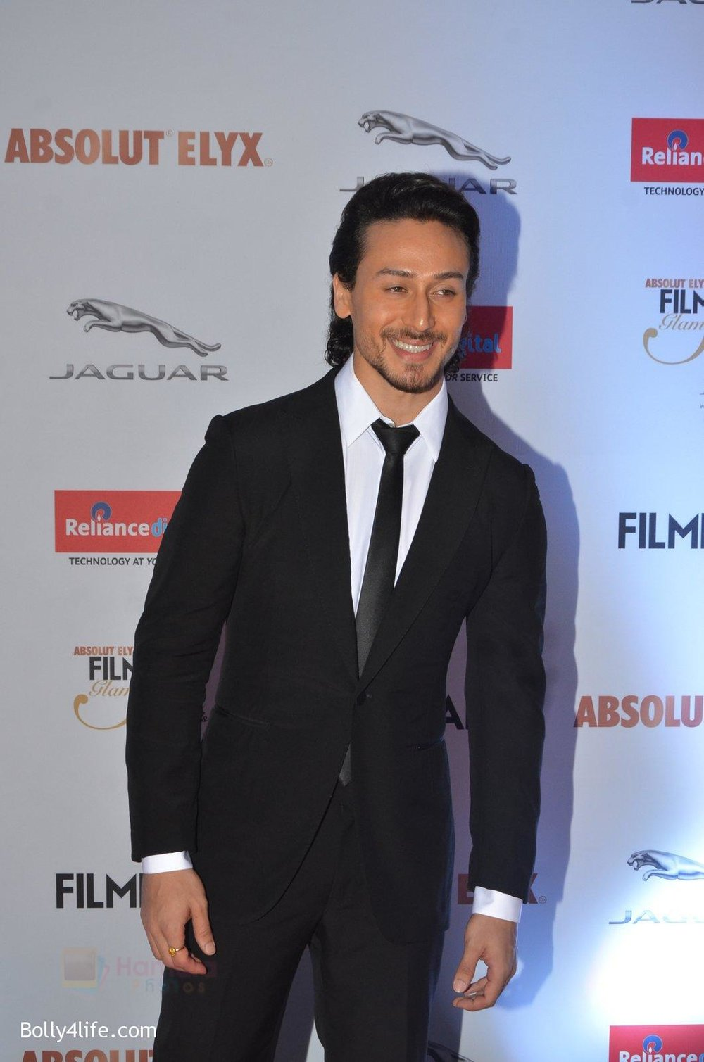 Tiger-Shroff-at-Filmfare-Glamour-Style-Awards-2016-in-Mumbai-on-15th-Oct-2016-1530.jpg