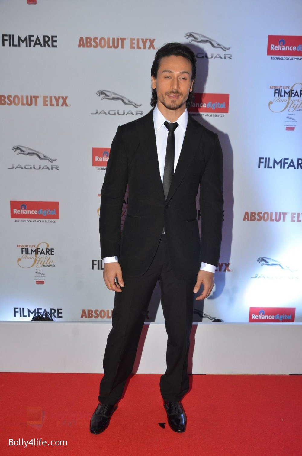 Tiger-Shroff-at-Filmfare-Glamour-Style-Awards-2016-in-Mumbai-on-15th-Oct-2016-1534.jpg