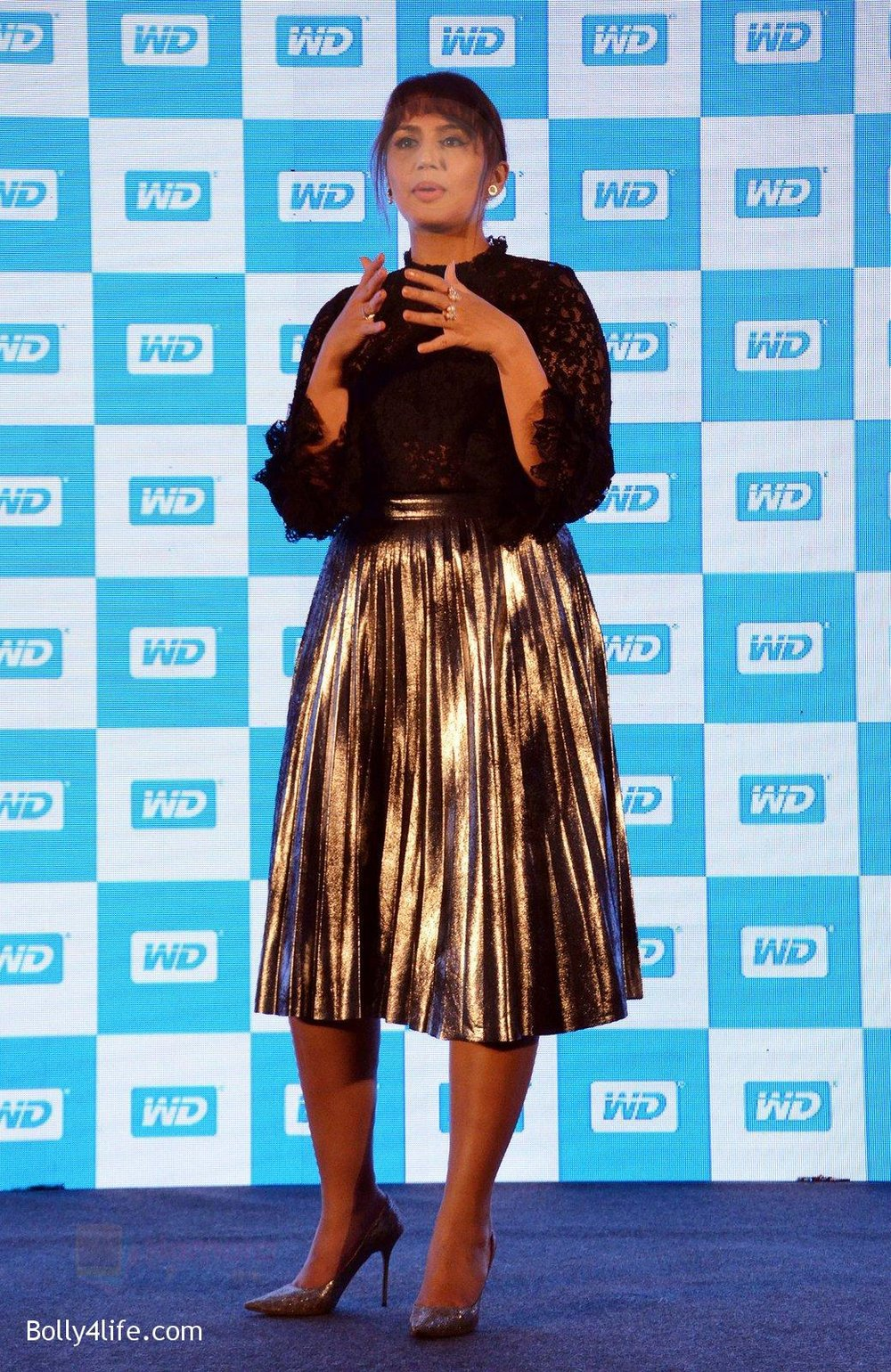 Huma-Qureshi-at-WD-launch-in-Delhi-on-19th-Oct-2016-16.jpg