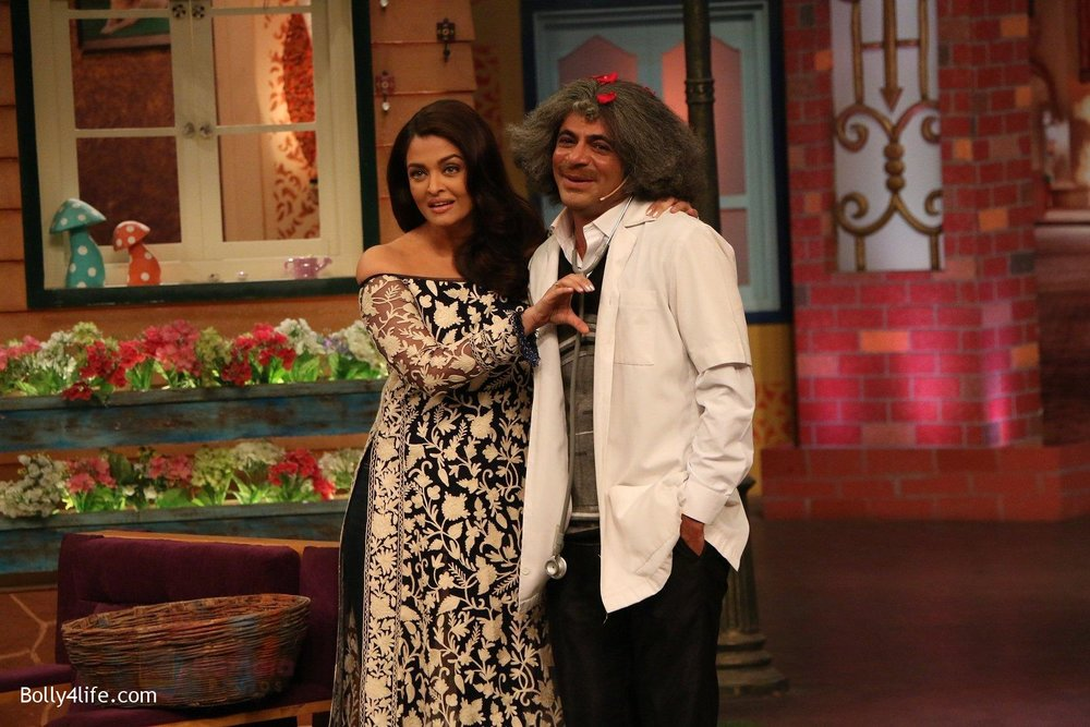 Aishwarya-Rai-Bachchan-at-the-promotion-of-Ae-Dil-Hai-Mushkil-on-the-sets-of-Kapil-Sharma-Show-on-19th-Oct-2016-39.jpg