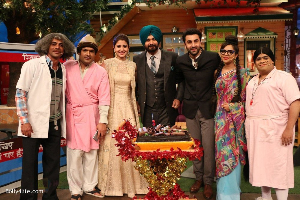 Ranbir-Kapoor-Anushka-Sharma-at-the-promotion-of-Ae-Dil-Hai-Mushkil-on-the-sets-of-Kapil-Sharma-Show-on-19th-Oct-2016-36.jpg