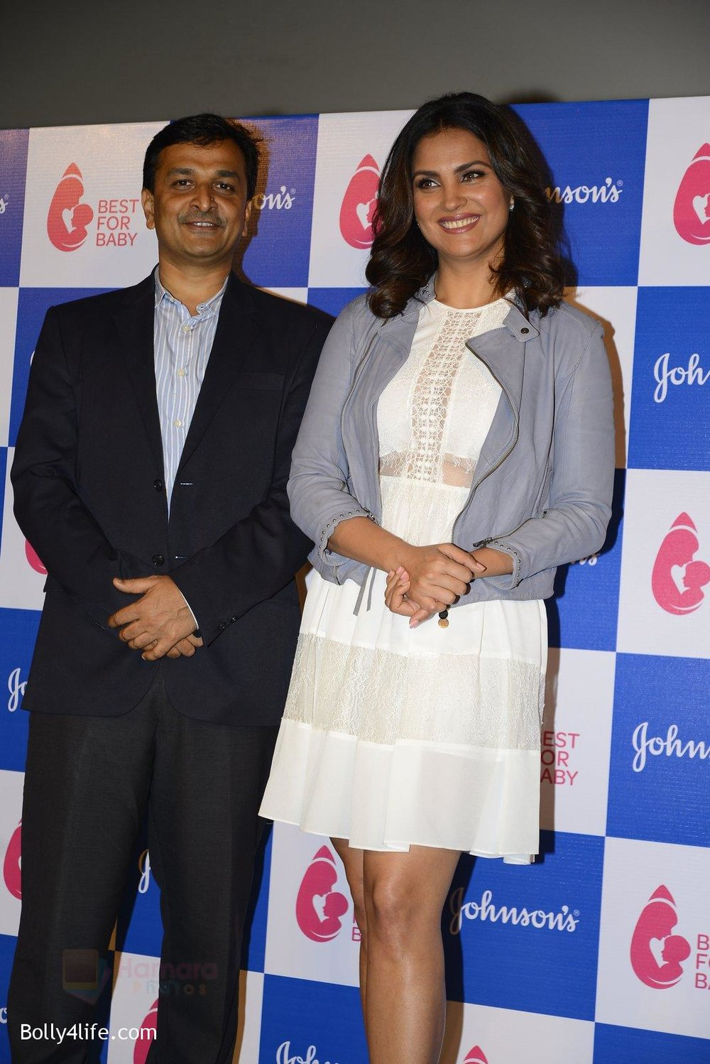 Lara-Dutta-at-baby-youtube-channel-launch-by-johnsons-on-20th-Oct-2016-15.jpg