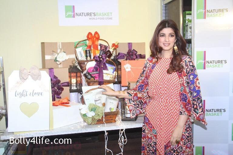 Twinkle-Khanna-at-Godrej-Nature_s-Basket-launch-event-on-20th-Oct-2016-5.jpg