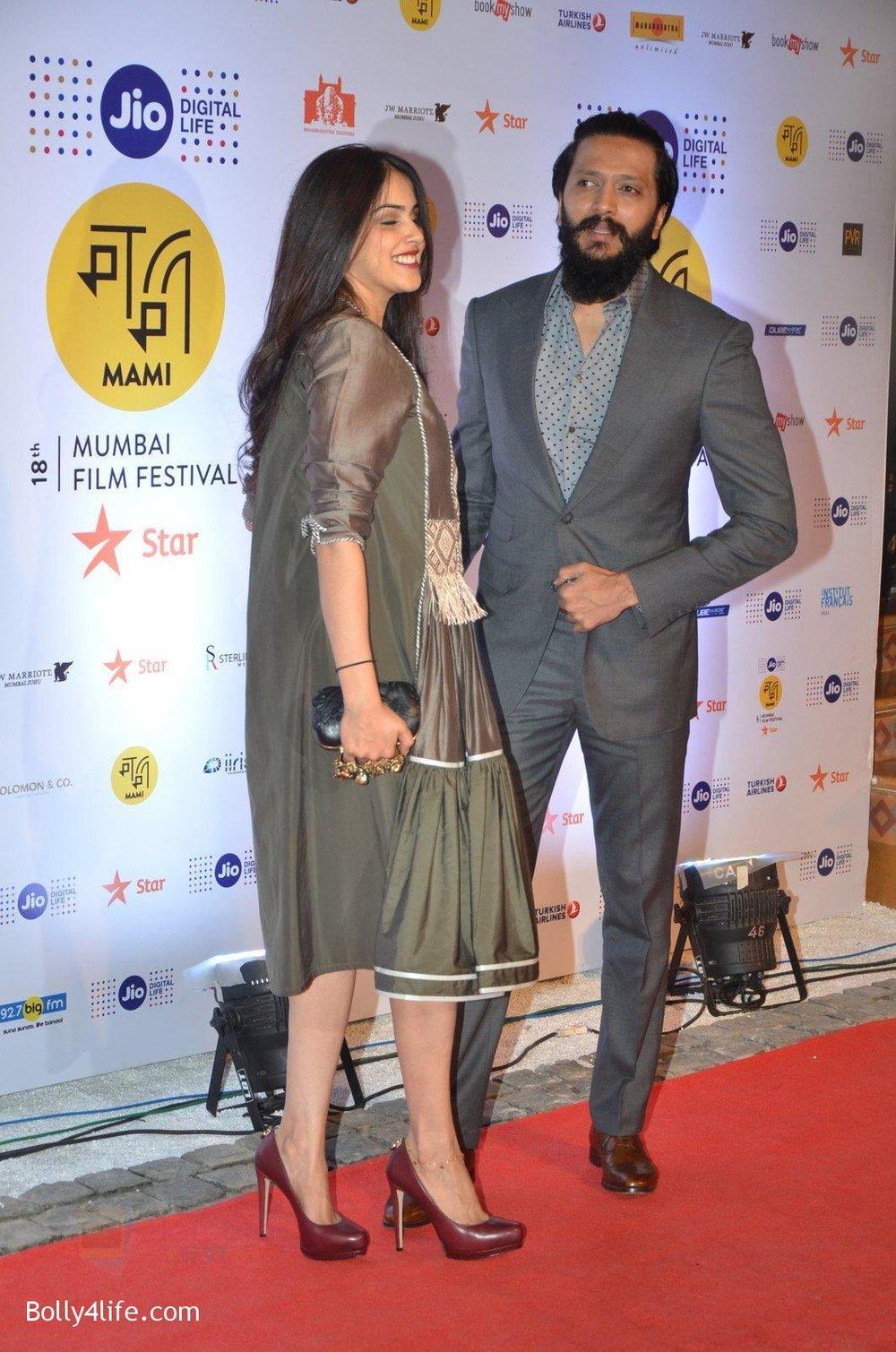 Genelia-D-Souza-Riteish-Deshmukh-at-MAMI-Film-Festival-2016-on-20th-Oct-2016-113.jpg