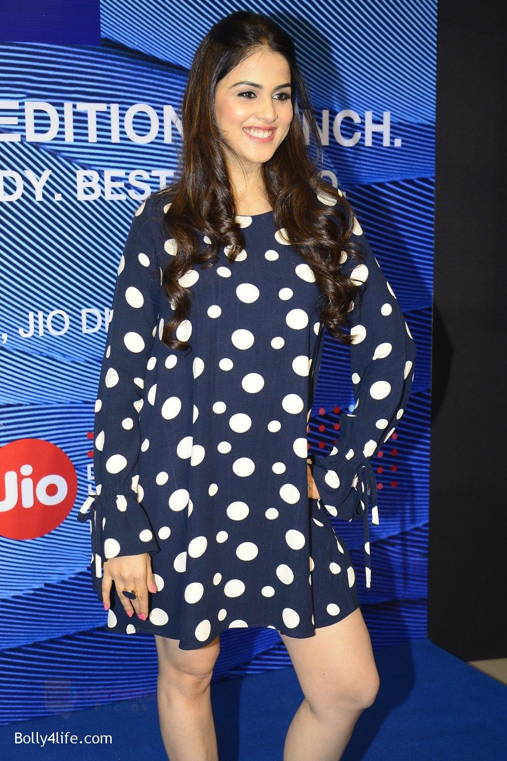 Genelia-D_Souza-launches-Reliance-Jio-special-edition-Lyf-F1-smartphone-on-21st-Oct-2016-49.jpg