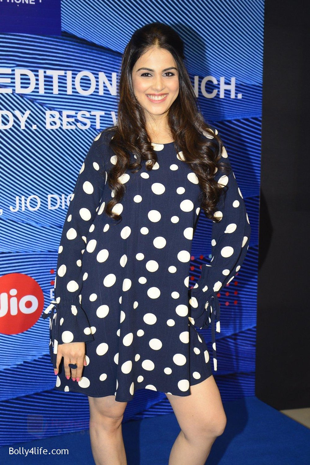 Genelia-D_Souza-launches-Reliance-Jio-special-edition-Lyf-F1-smartphone-on-21st-Oct-2016-50.jpg