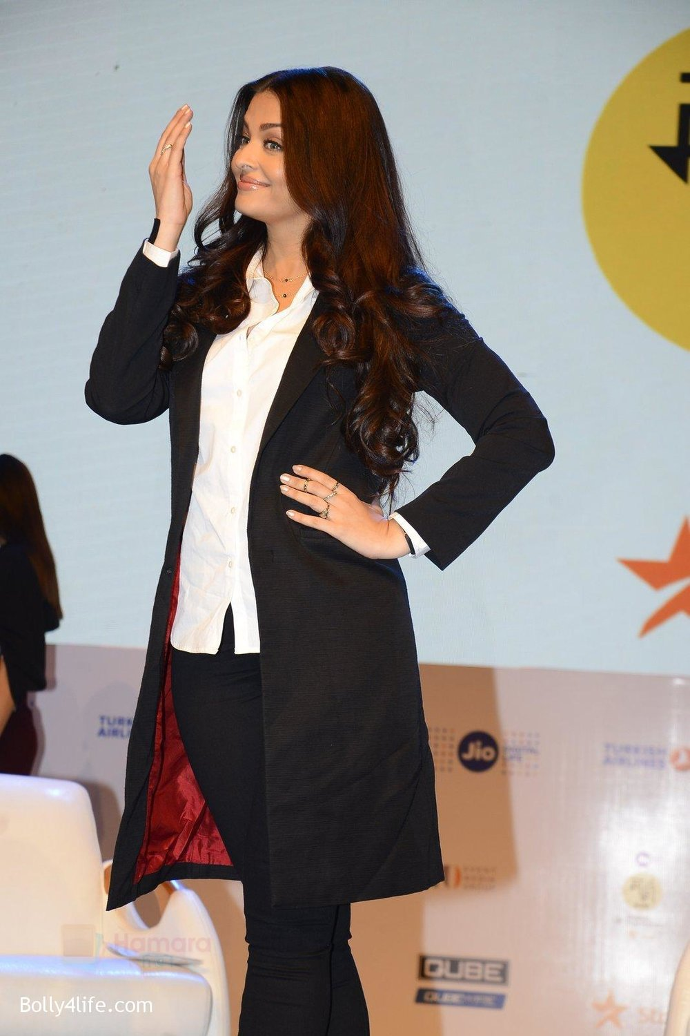 Aishwarya-Rai-talk-about-their-movie-Ae-Dil-Hai-Mushkil-during-the-Jio-MAMI-18th-Mumbai-Film-Festival-with-star-on-21st-Oct-2016-24.jpg