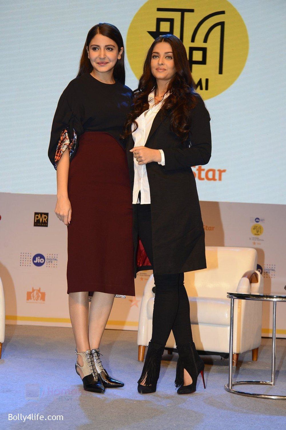 Anushka-Sharma-Aishwarya-Rai-talk-about-their-movie-Ae-Dil-Hai-Mushkil-during-the-Jio-MAMI-18th-Mumbai-Film-Festival-with-star-on-21st-Oct-2016-16.jpg