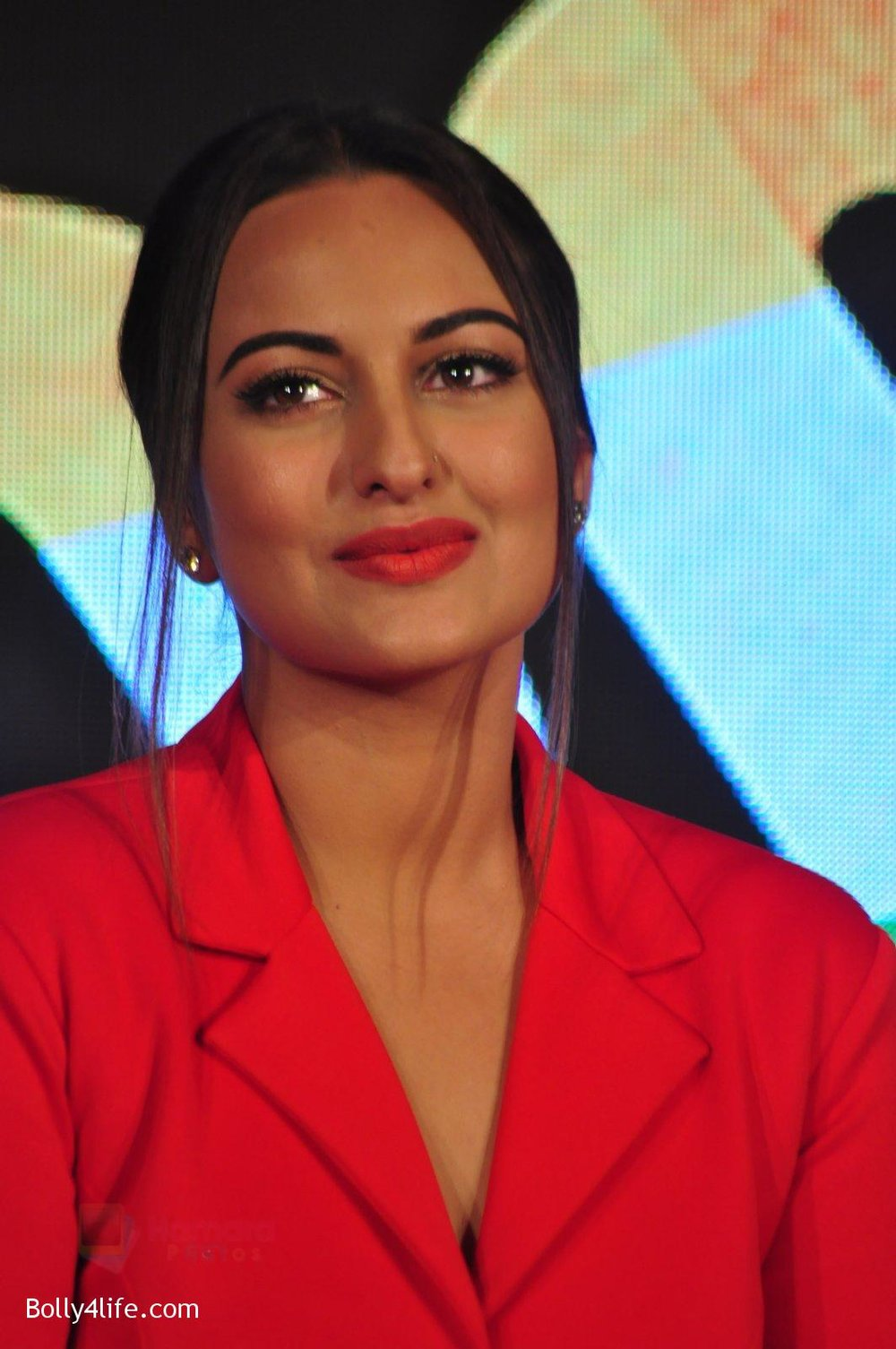 Sonakshi-Sinha-at-Force-2-press-meet-on-21st-Oct-2016-37.jpg