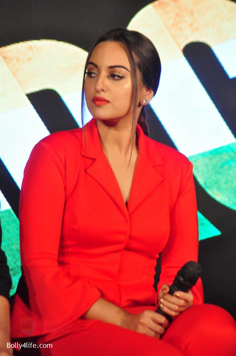 Sonakshi-Sinha-at-Force-2-press-meet-on-21st-Oct-2016-79.jpg
